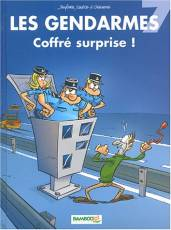 Couverture de l'album LES GENDARMES Tome #7 Coffré surprise !
