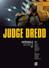 Couverture de l'album JUDGE DREDD L'INTEGRALE EN NOIR ET BLANC Tome #1 Volume 1